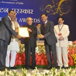 Managing Director A Krishna Mohan and Joint Managing Director A V Praveen Kumar receiving the National Tourism Award from Hon'ble President of India Mr Pranab Mukherjee at a function held in New Delhi at Vigyan Bhawan.